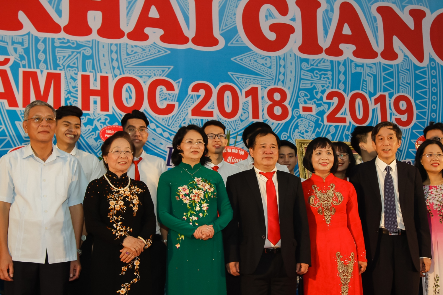 VICE PRESIDENT DANG THI NGOC THINH ATTENDS OPENING CEREMONY OF SCHOOL YEAR 2018-2019 AT THUONGMAI UNIVERSITY